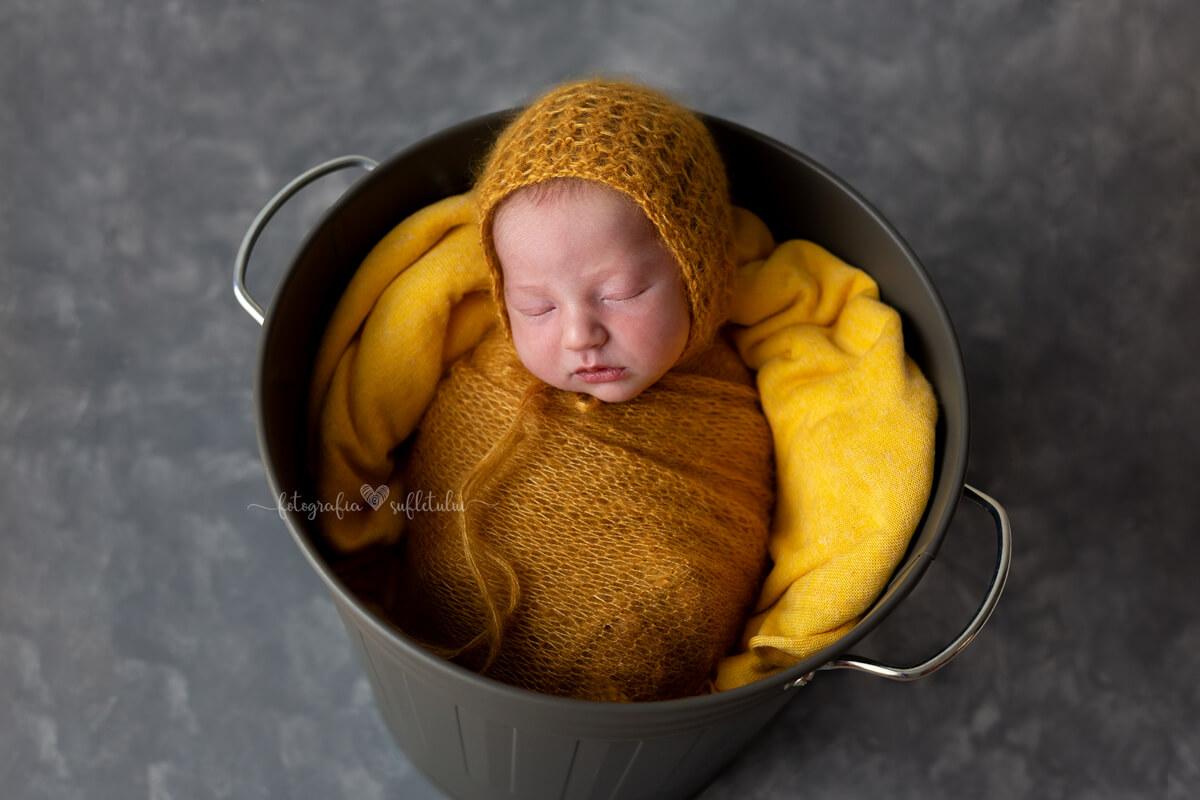 Ședință foto de nou-născut